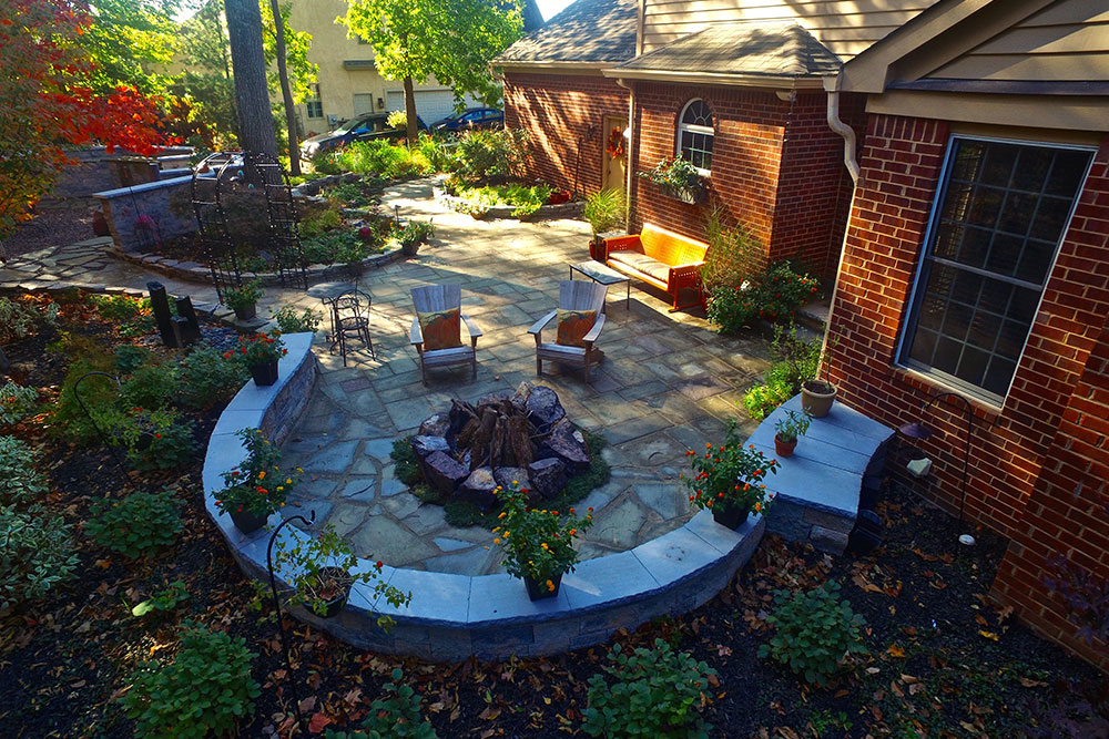 Custom Patio 1 ...